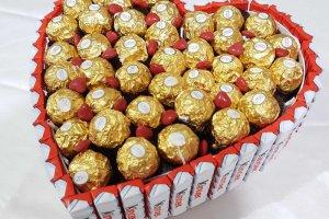 שוקולדים ובלונים