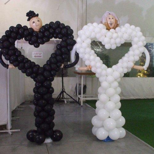 בלונים לחתונה צבורת לב שחור ולבן