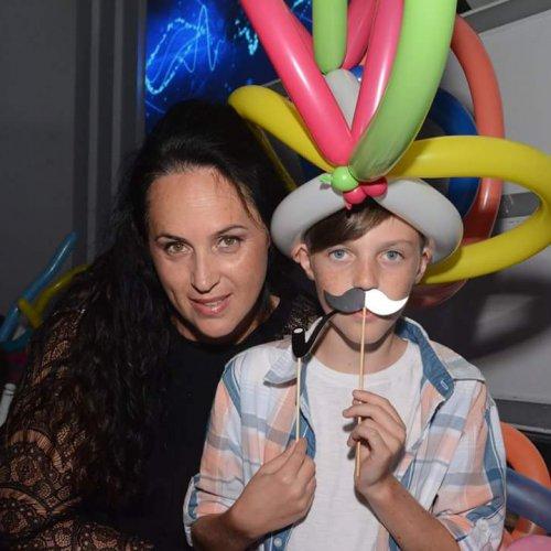 כובע מבלונים לילד