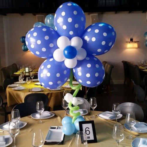 בלונים לברית בצורת פרח כחול