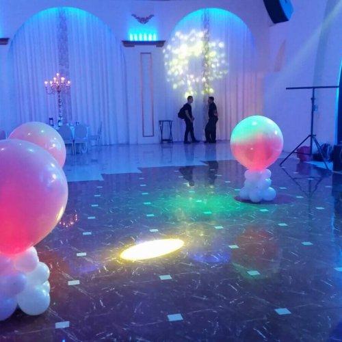 בלונים באולם אירועים לחתונה