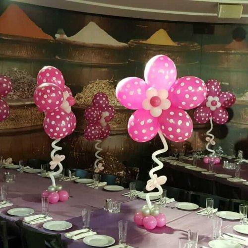 בלונים בצורת פרחים ורודים לבת מצווה