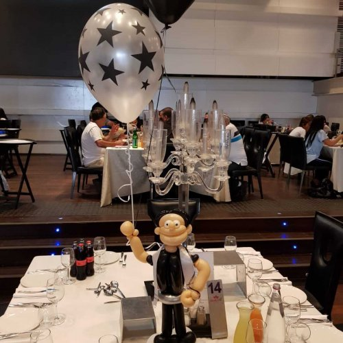 בלונים לבר מצווה על השולחן