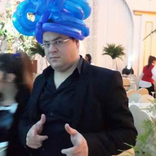 כובעי בלונים עם אמן בלונים